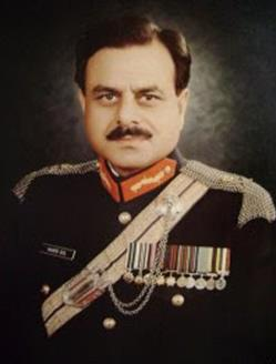 Hamid_Gul_portrait